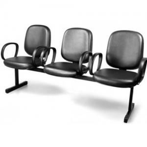 Cadeira em Longarina